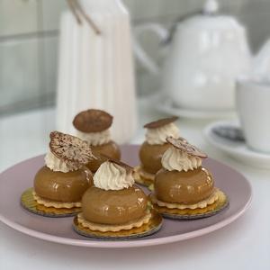 Карамелька мини пирожное