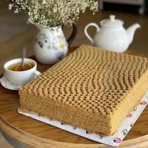 Пчелиный медовый торт