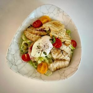Салат с курицей Су-вид